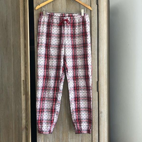 05cf447c6d5eb Victoria Secret light weight flannel dot pj pants